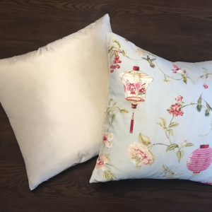 Cushion | Hummingbird | Wendy Kaesar
