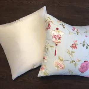 Cushion | Hummingbird | Wendy Kaesar